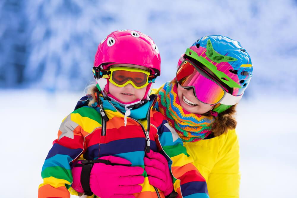 kask na narty i snowboard