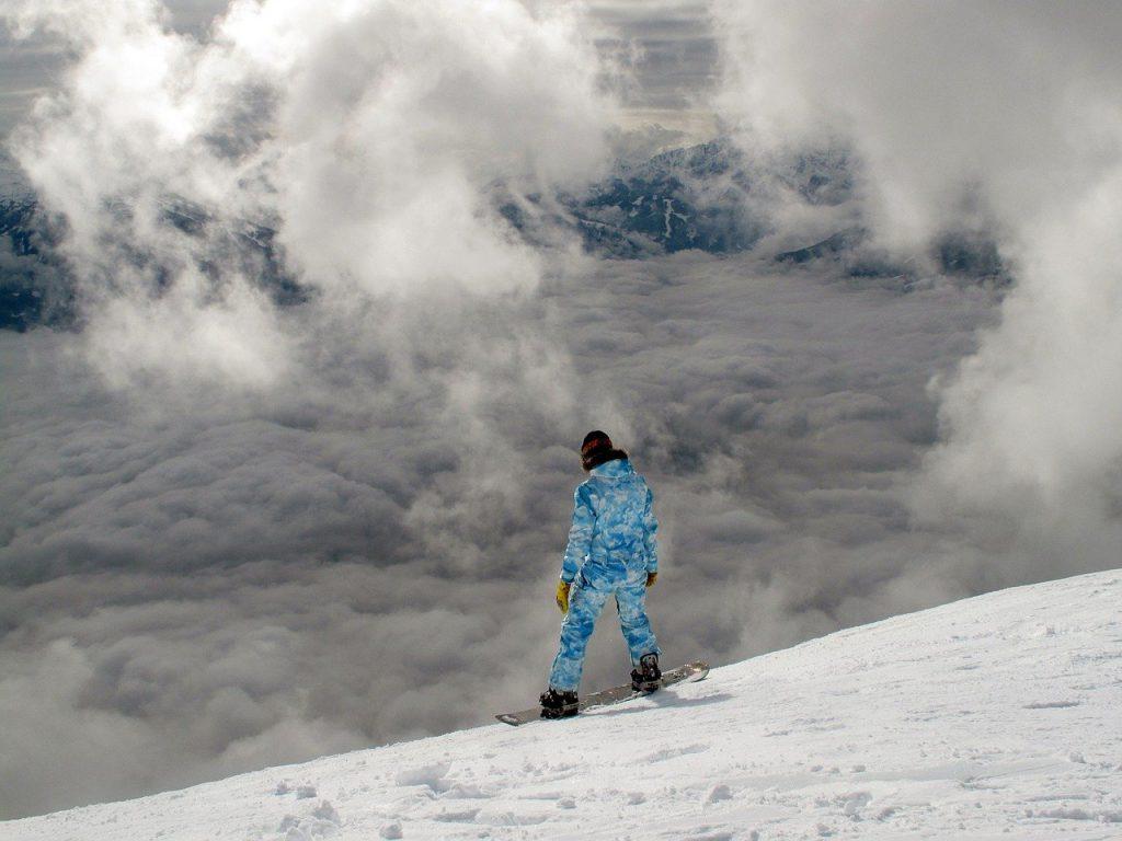 Ochraniacze narciarskie - czyli sposób na to jak być bezpiecznym na stoku