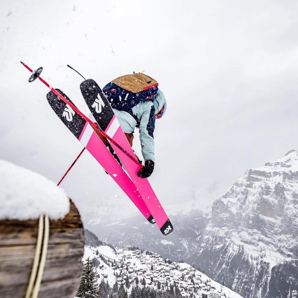 Narciarka na sprzęcie K2