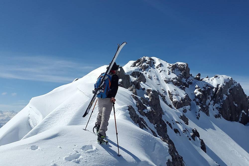 Kijki narciarskie skitourowe